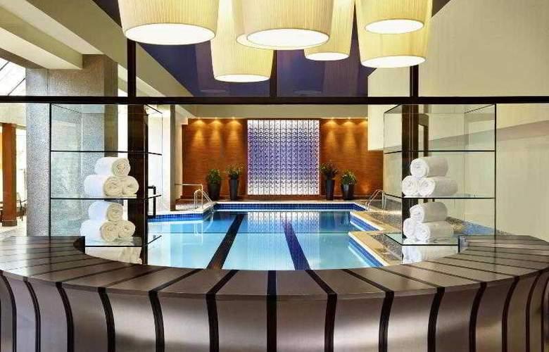 Le Centre Sheraton Hotel Montreal - Pool - 28