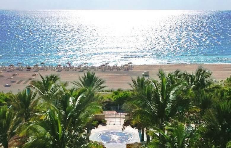Carillon Miami Beach - Beach - 6