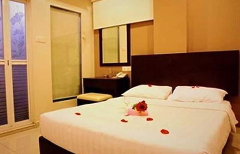 Izumi Hotel - Room - 11