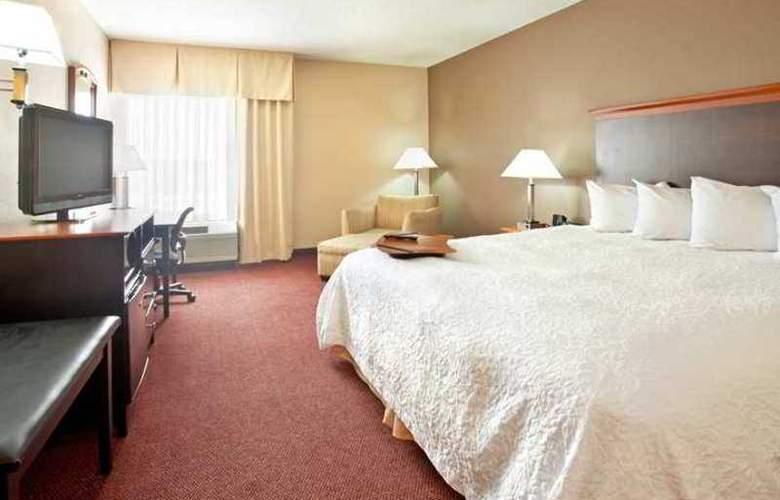 Hampton Inn Massillon - Hotel - 1