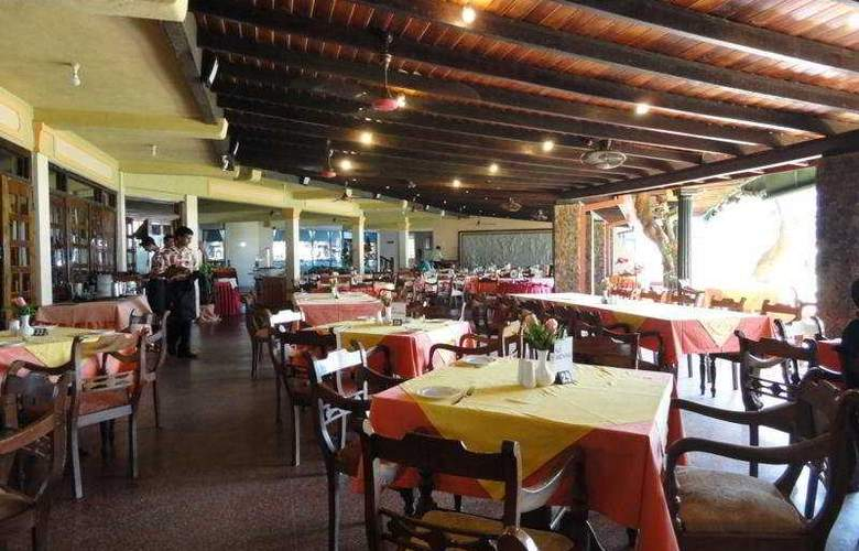 Camelot Beach - Restaurant - 9
