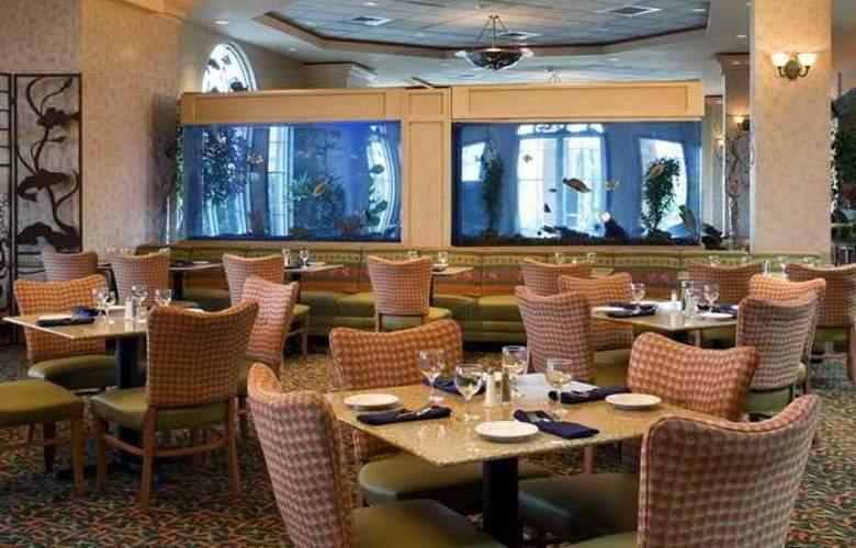 Embassy Suites Monterey Bay Seaside - Hotel - 5