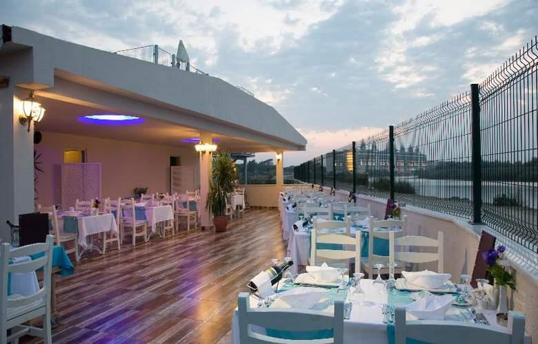 Water Side Delux Resort - Restaurant - 90