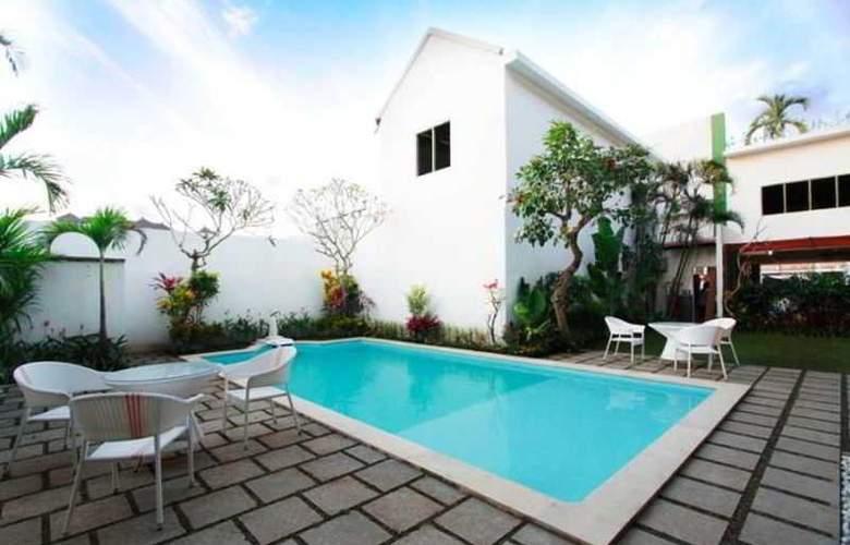 Spazzio Hotel Bali - Pool - 21