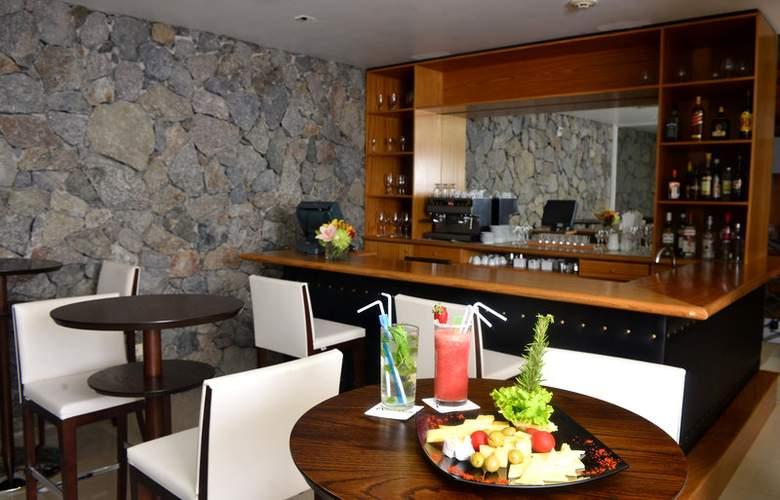 Radisson Colonia del Sacramento Hotel & Casino - Bar - 1