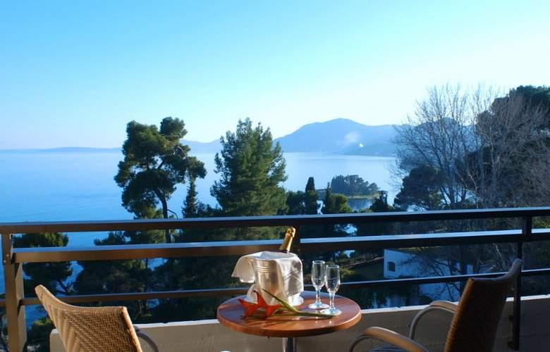 Corfu Holiday Palace - Terrace - 40