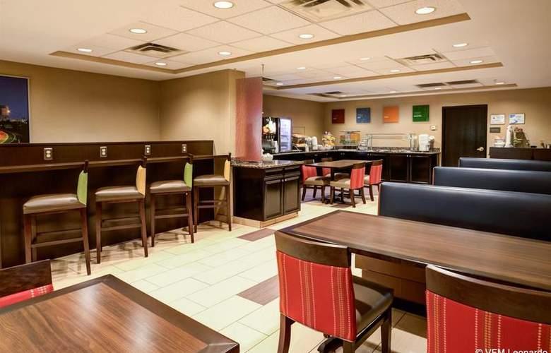Comfort Suites Airport - Hotel - 0