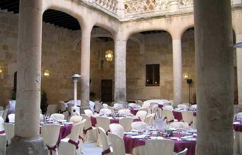 Castillo del Buen Amor - Restaurant - 4