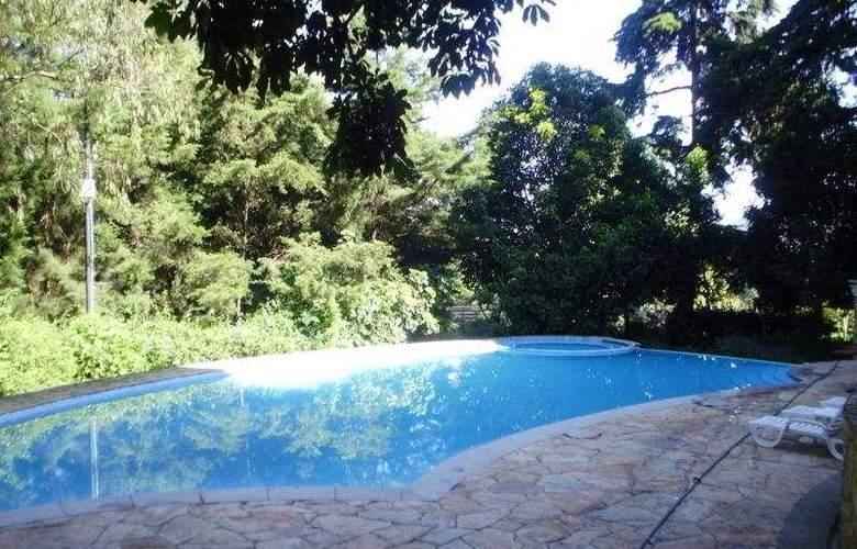 Vista Real Guatemala - Pool - 8