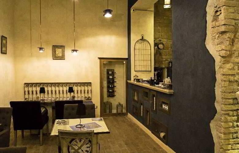 Veneto Palace - Bar - 9