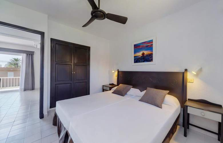 PortBlue Rafalet Apartments - Room - 1