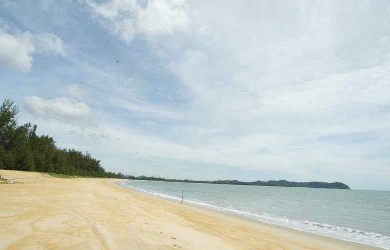 Suria Cherating Beach Resort - Beach - 6