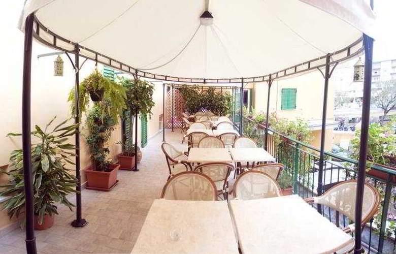Globo & Suite - Terrace - 6