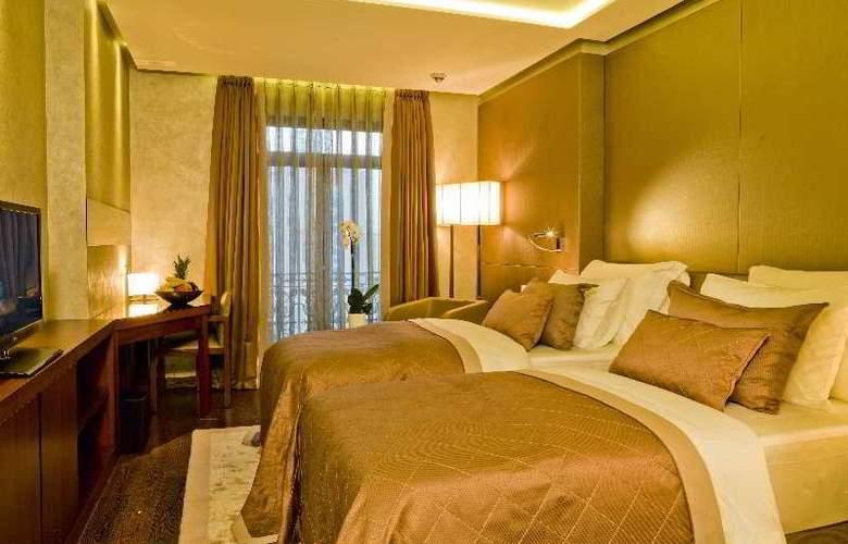 Lasagrada Hotel - Room - 4