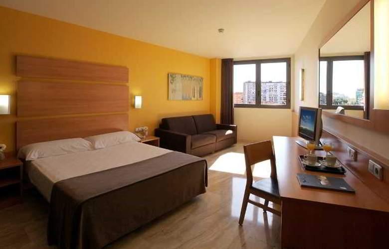 Express Tarragona - Room - 3