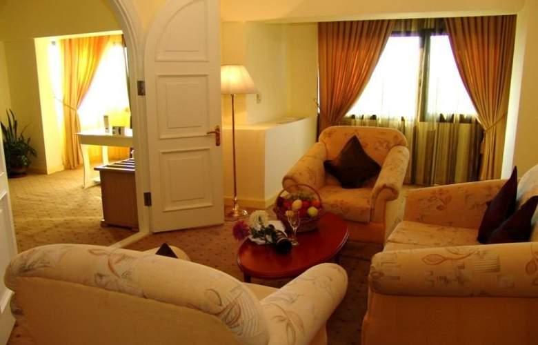 Le Grande Plaza - Room - 4