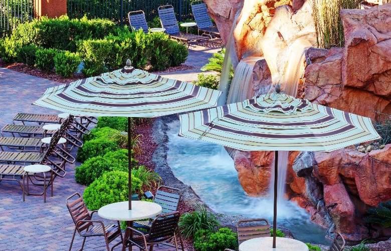 Holiday Inn Club Vacations Las Vegas - Desert Club - Terrace - 2