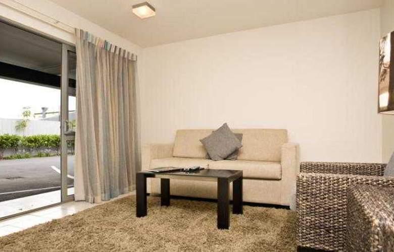 Sea Spray Suites - Room - 24