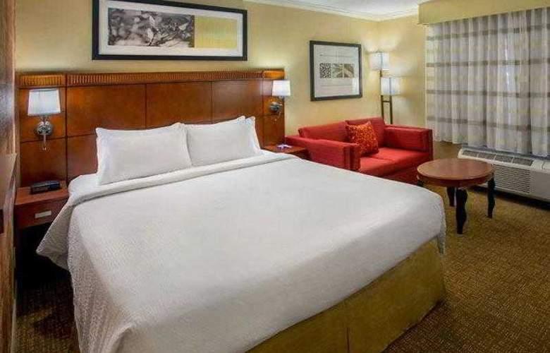 Courtyard Boston Woburn/Burlington - Hotel - 17