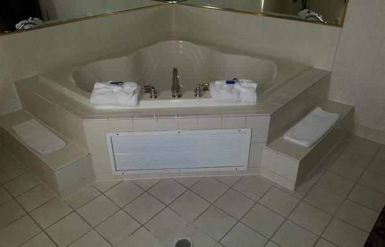 Best Western Joliet Inn & Suites - Pool - 140