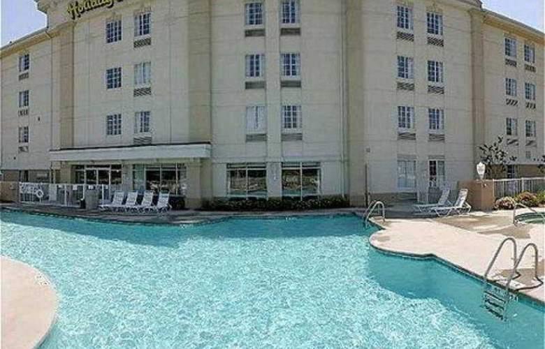 Holiday Inn Express Broadway - Pool - 5