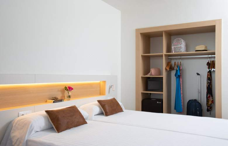 Prestige Sant Marc - Room - 12