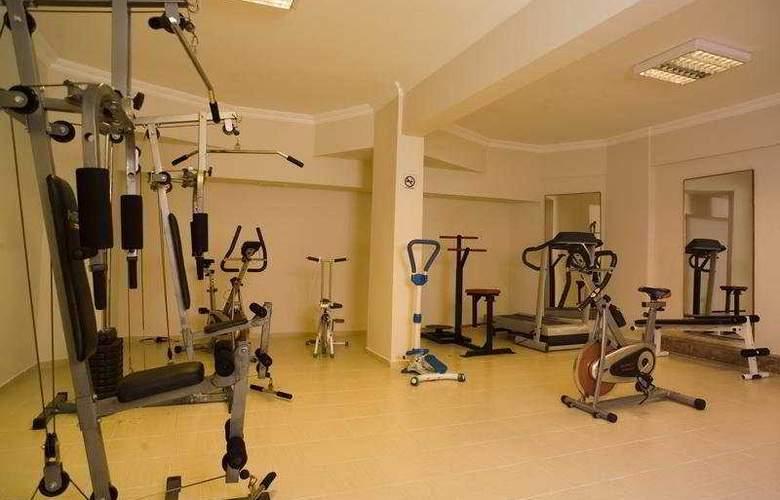 Riviera Hotel - Sport - 7