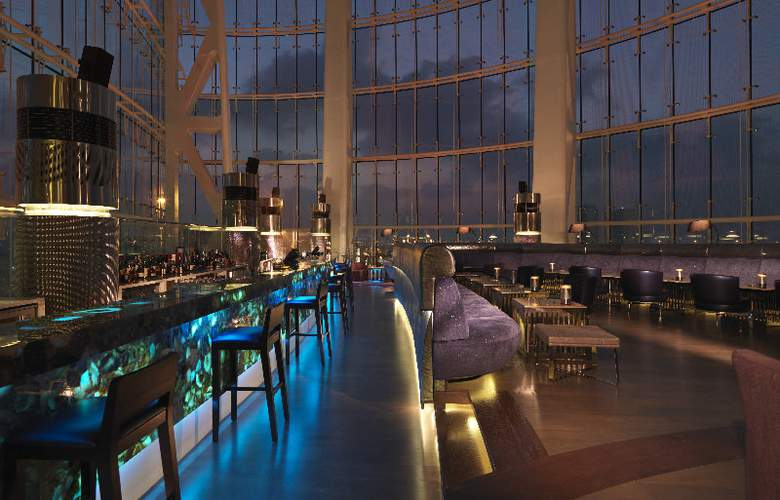 Hilton Capital Grand Abu Dhabi - Bar - 26