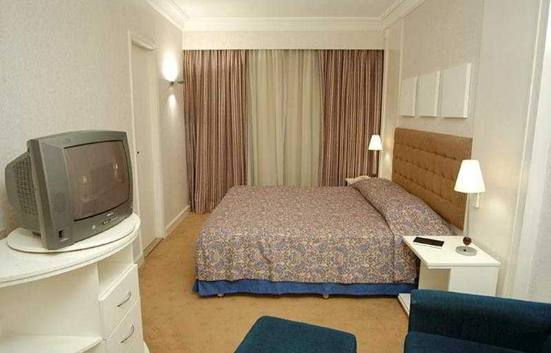 Bristol International - Hotel - 0