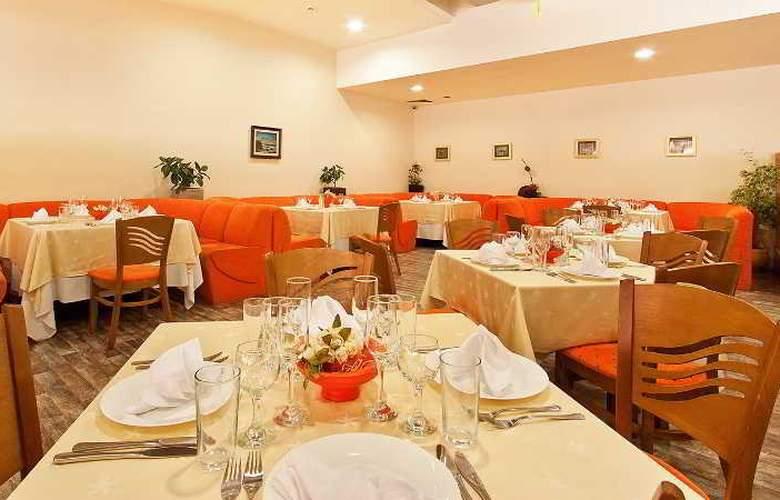 Smartline Madara - Restaurant - 18