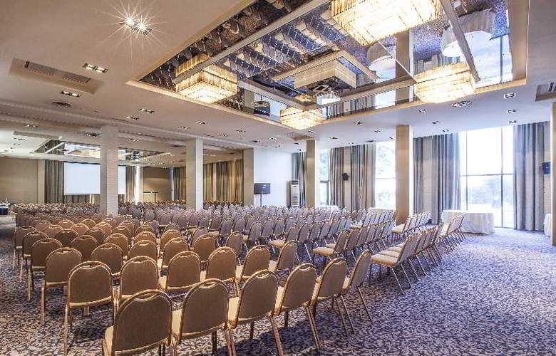 Classical Makedonia Palace - Conference - 39