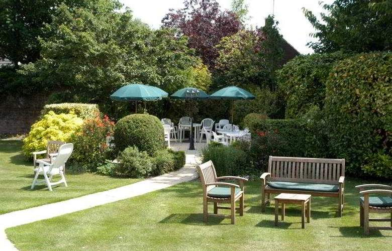 Duxford Lodge Hotel - Terrace - 7