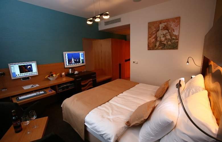 Danubia Gate - Room - 9