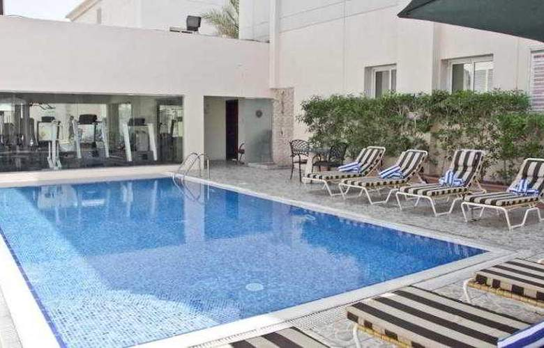 Regent Beach Resort Jumeirah - Pool - 15