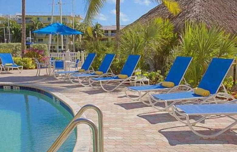 Courtyard by Marriott Key Largo - Pool - 21