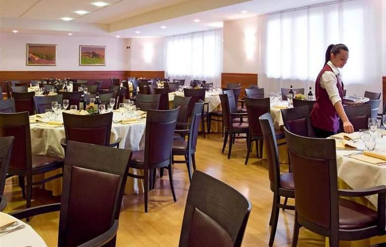 Four Points By Sheraton Siena - Restaurant - 11