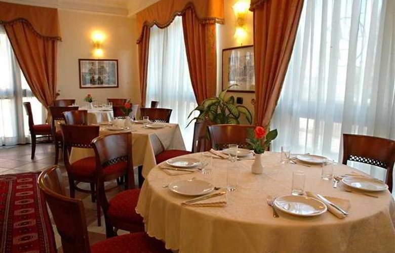 Andor Plaza - Restaurant - 7