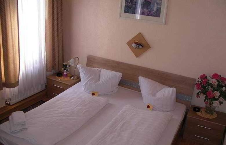 Djaran - Room - 2