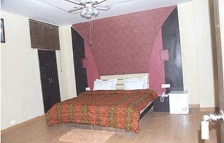 Delhi Heights - Room - 4