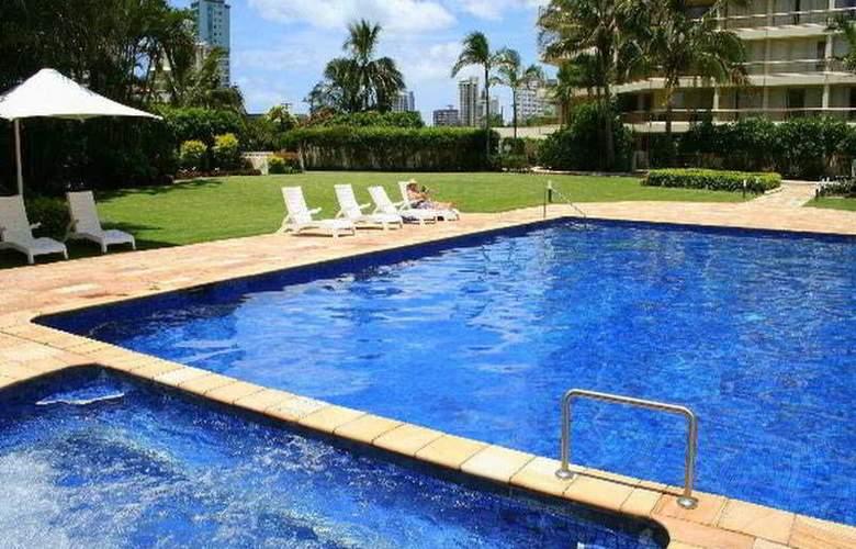 Contessa Condominiums - Pool - 6