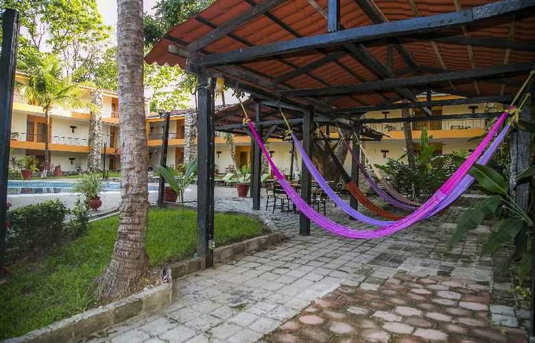 Plaza Palenque - Terrace - 15