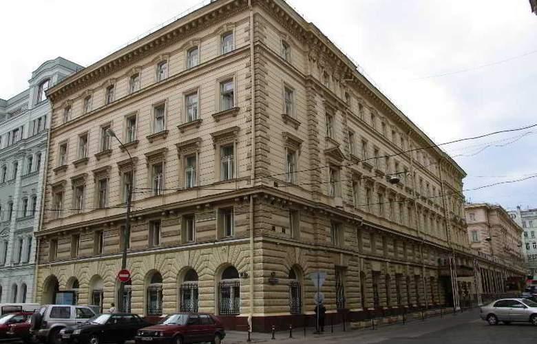 Budapest - Hotel - 1
