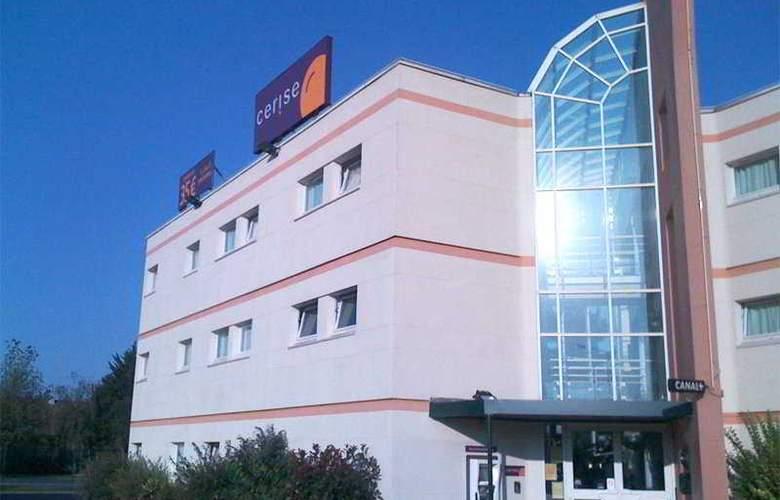 Cerise Lens - Hotel - 0