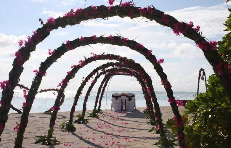 Palm Beach Resort & Spa Maldives - Sport - 49