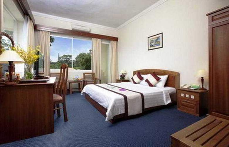 Victory Hotel - Room - 2