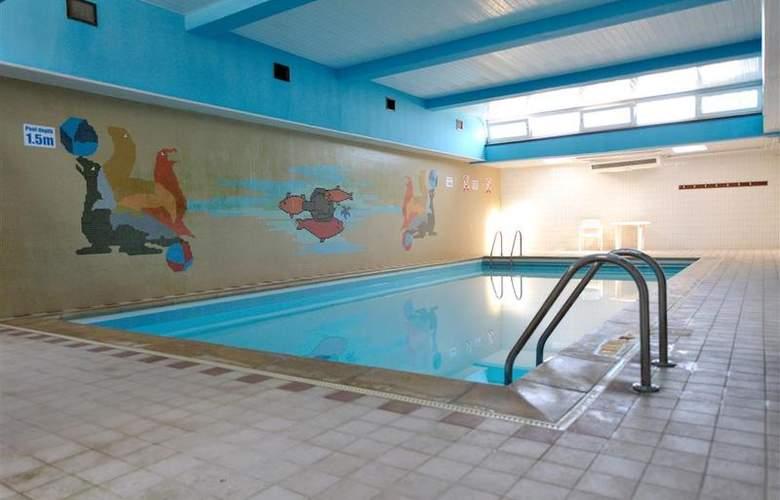 Best Western Bristol - Pool - 151