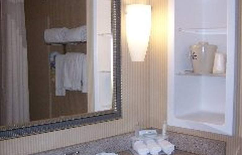 Holiday Inn Express Hotel&Suites Tampa-Fairgrou - Room - 3