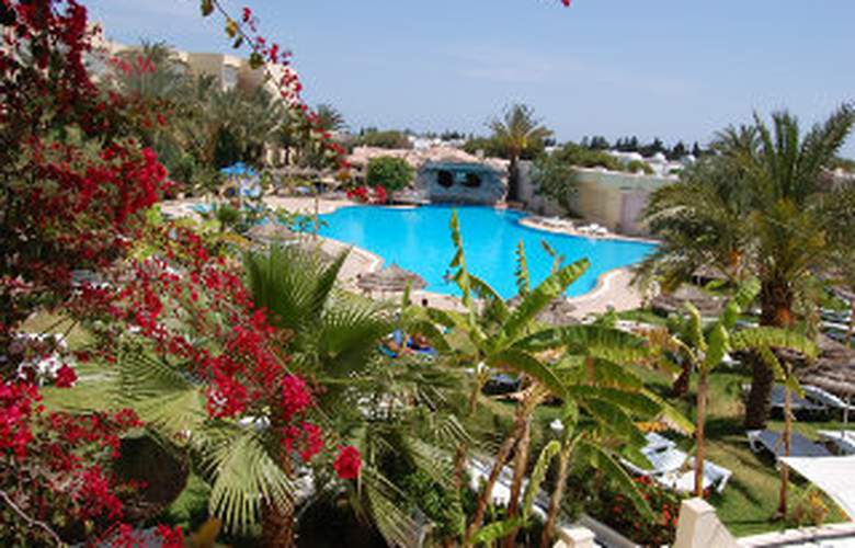 Delphin Plaza - Pool - 4