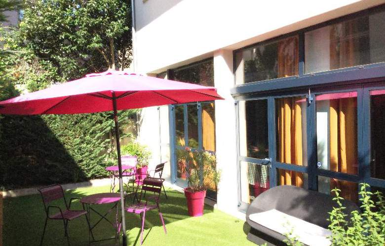 Privilege Apparthotel St. Exupery - Terrace - 10