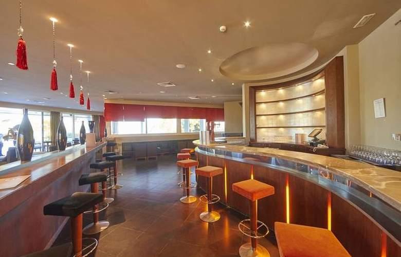 Blau Privilege Porto Petro Beach Resort & Spa - Bar - 3
